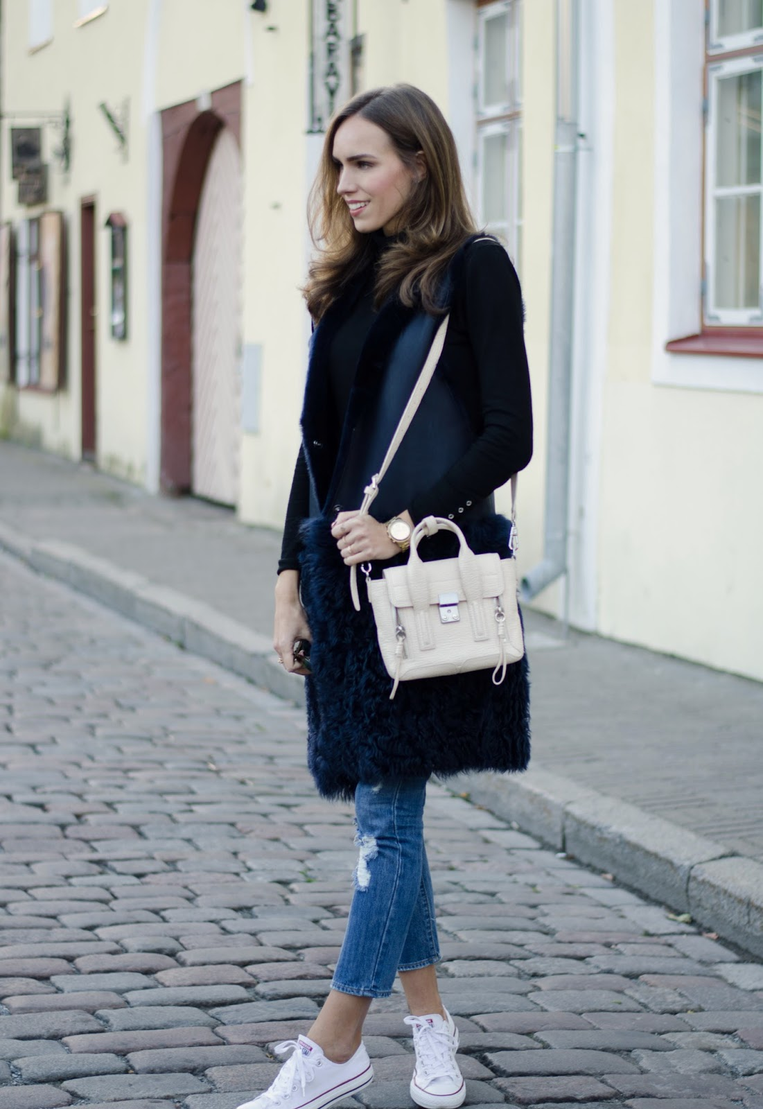 shearling fur vest fall casual outfit