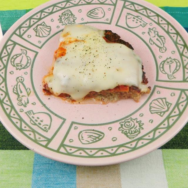 ボリューム満点!フライパンで作るハンバーグピザの作り方