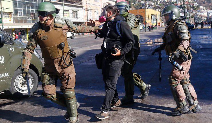 Por violaciones a los DDHH: Colegio de Periodistas de Chile suspende participación en el Fondo de Medios 2020