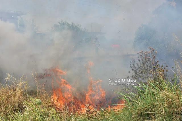 Φωτιά κοντά σε βενζινάδικο στη Νέα Κίο Αργολίδας