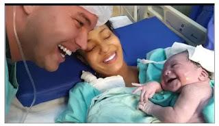 Sering Diajak Bicara Saat dalam Kandungan, Bayi Ini Tersenyum Dengar Suara Ayahnya