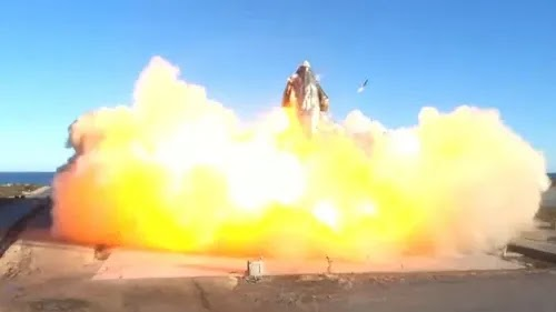 صاروخ SpaceX مصمم لنقل البشر إلى المريخ ينفجر أثناء الرحلة التجريبية
