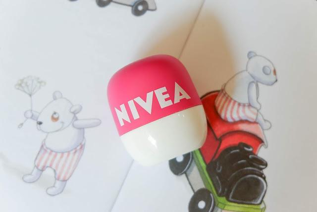 nivea-pop-ball-lip-balm-pink-watermelon-pomegranate-review