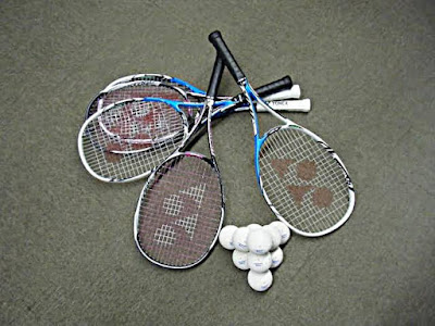 じゃないほうテニス