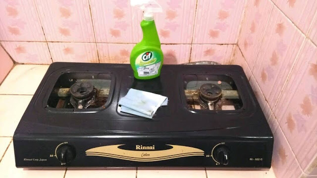 Membuat Kompor dan Dapur Bersih Cemerlang Tanpa Noda