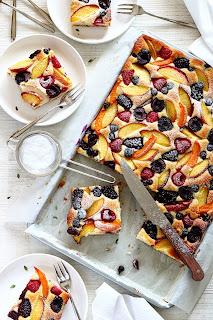 Ricotta plaatcake met zomerfruit