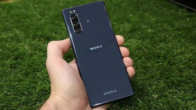 Sony has released Android 11 for the Xperia 1 and Xperia 5. Russia was one of the first regions to receive an update