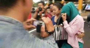 Tertangkap Dihotel, Pasangan Mesum Anggota Dewan dan Istri Anggota BNN di Buru Wartawan