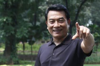 """Tak ambil Pusing Disuruh Munarwan FPI Ngaji Lagi, Moeldoko Tertawa : """"Nggak apa-apa aku ngaji lagi."""""""