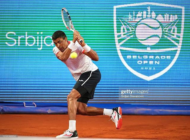 Thiago Monteiro em ação pelo ATP 250 de Belgrado