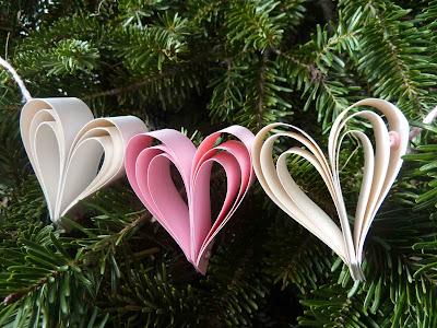 Create- A- Bow Heart Garland - Eileen Hull