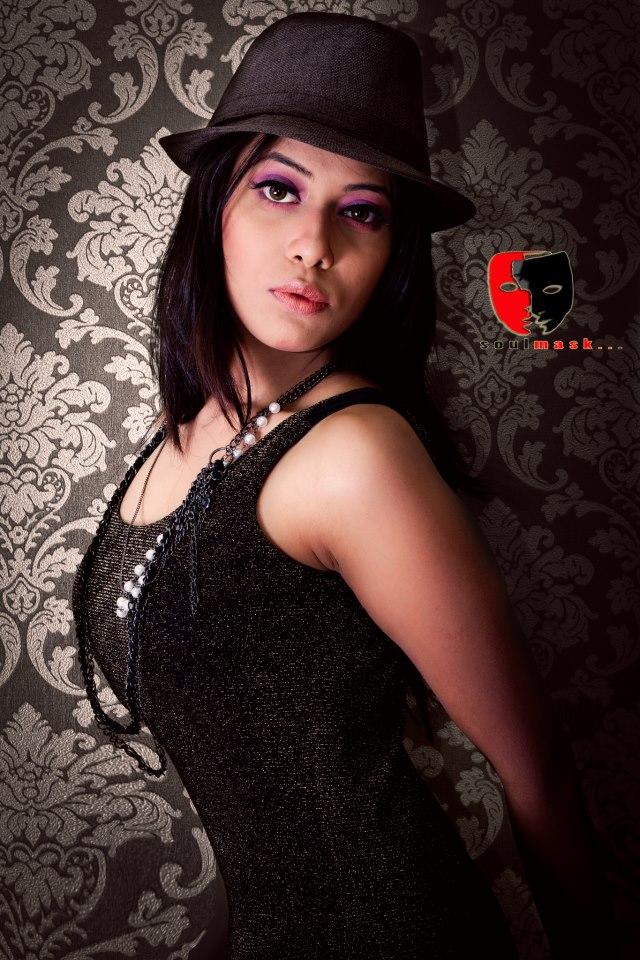 Pretty Shoumi Bangladeshi Sunny Leone Modelling Pikchaaz