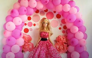 Miniatur-Ballonbogen für Puppen.