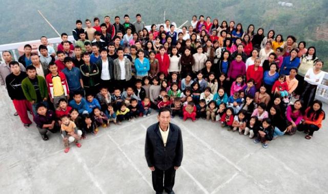 """بعدما تزوج 39 امرأة وأنجب 94 طفلاً.. وفاة """"زيونا شانا"""" والد أكبر عائلة في العالم"""