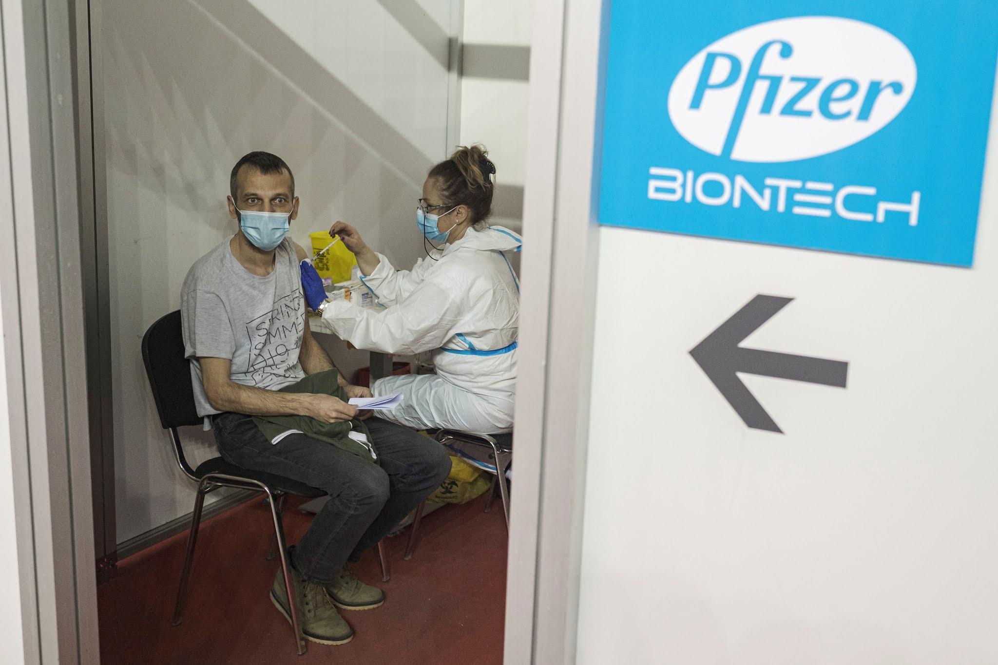 Pfizer adelantará 50 millones de vacunas más a la Unión Europea en el segundo trimestre