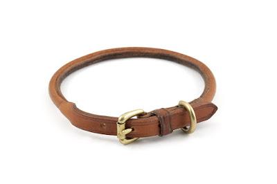 Collare portamedaglia in cuoio tubolare cucito a mano per cani taglia M