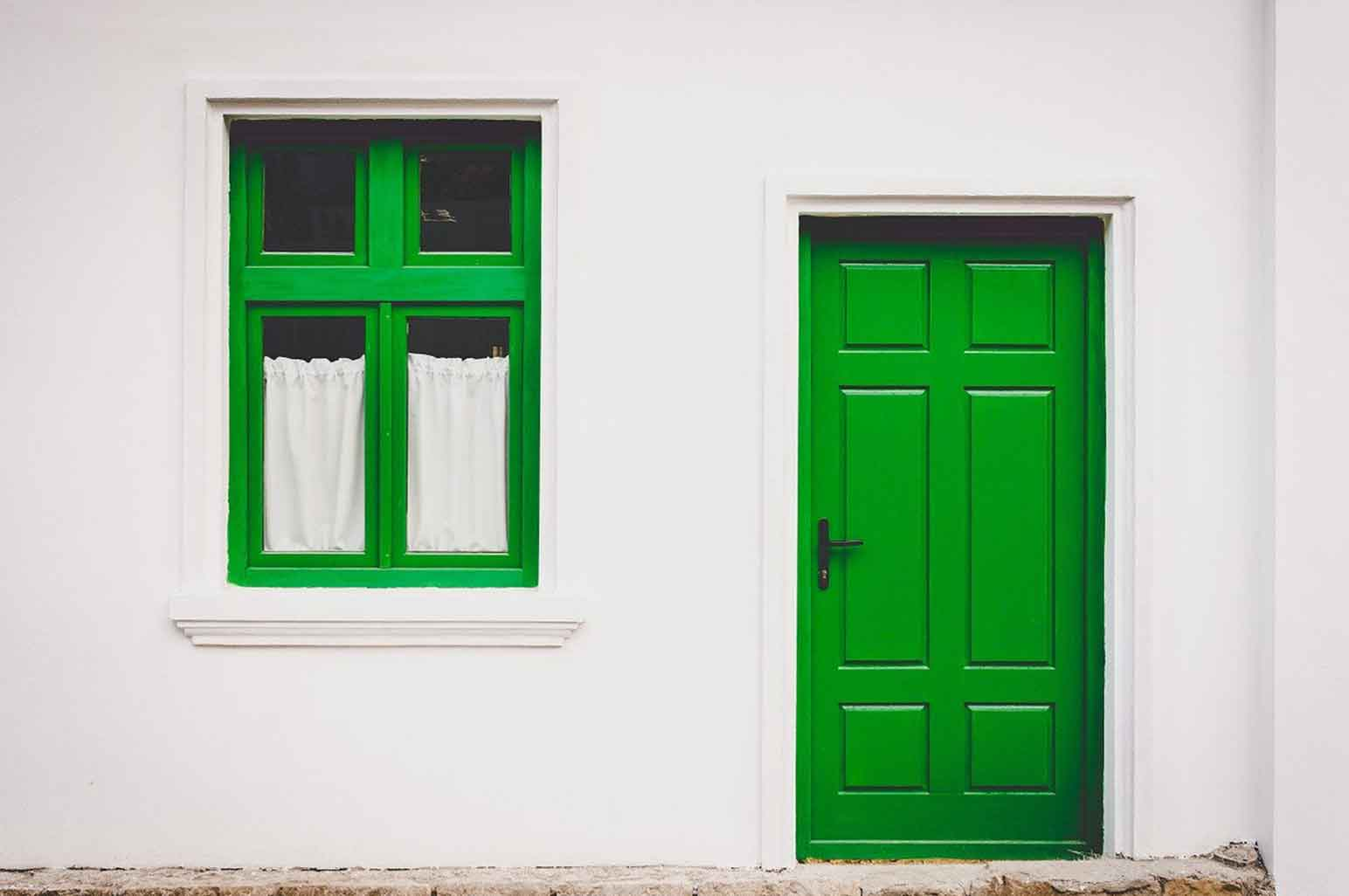Signs That You Need to Replace Your Doors and Windows