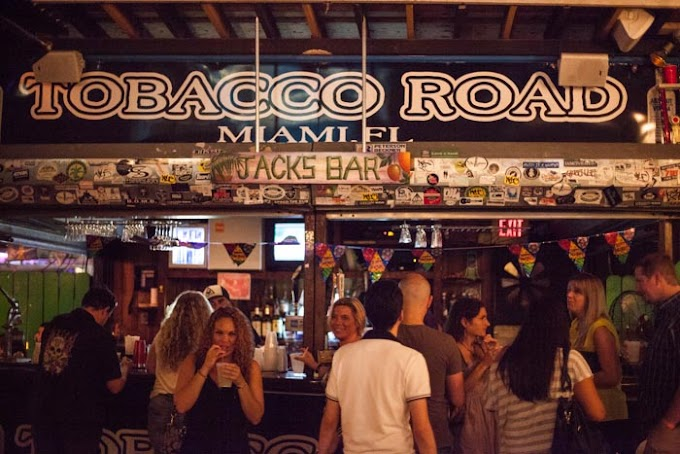 The Final Toasts at a Gritty, Beloved Miami Tavern   NY Times