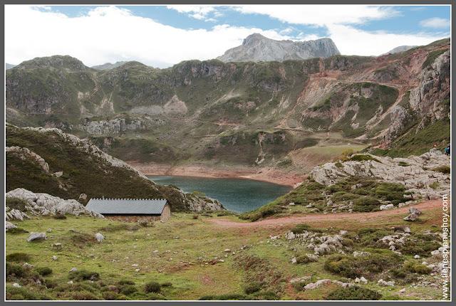 Lago de la Cueva Parque Natural de Somiedo