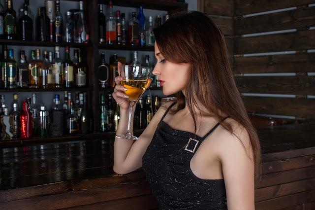 Alcohol girl, Alcoholic girl