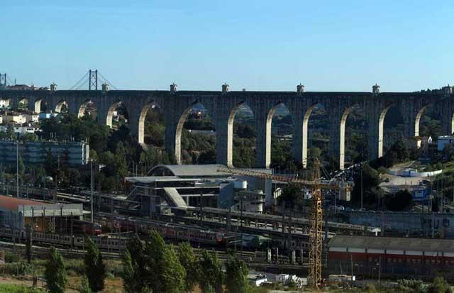 Águas Livres Aqueduct, Campolide, Lisbon