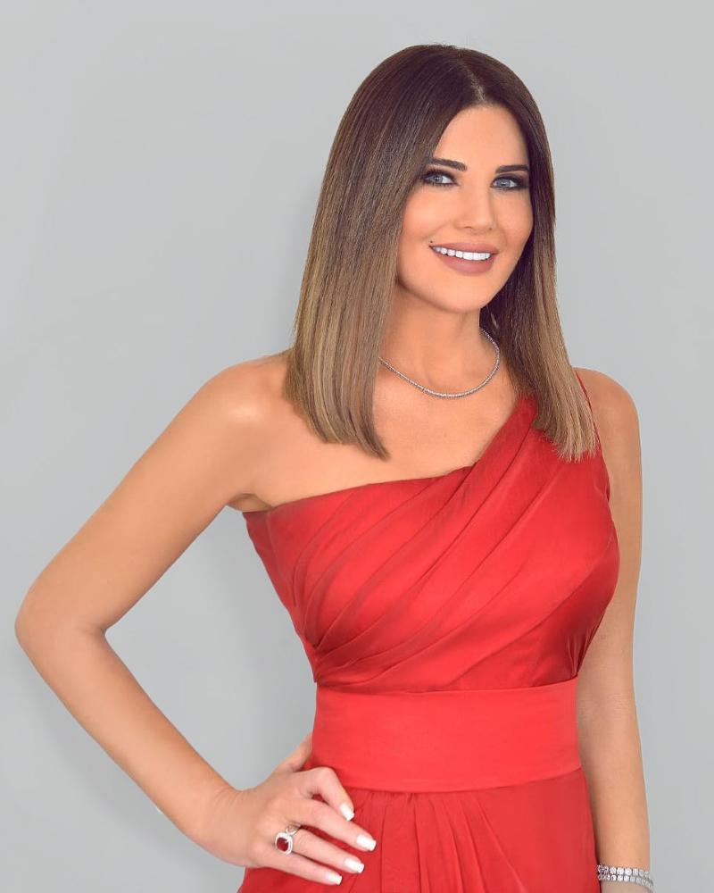 Mona Abou Hamze Presenter Seksi dari Lebanon alis indah