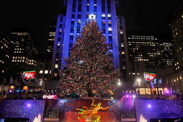 The New York Urbanite: The Rockefeller Tree Is Back In Town