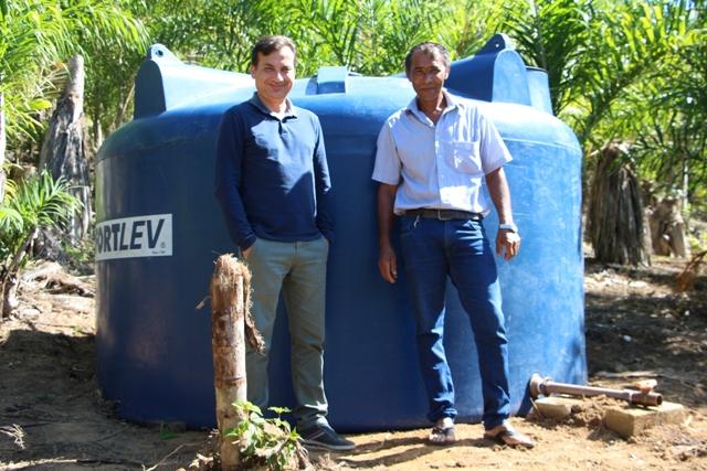 Prefeitura instala caixa d'água no bairro Boacica em Juquiá.