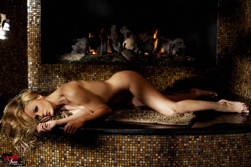 viparea 2014.01.31 - Crystal Klein - Fire x74 1333x2000 - idols