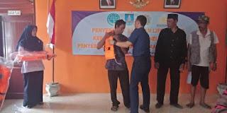 UPP Bojonegara Beri Jaket Pelampung Pada Nelayan