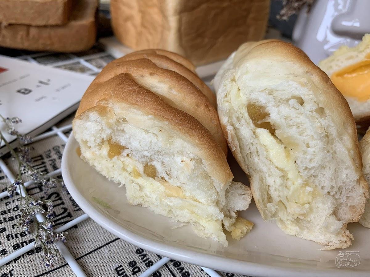 台南|中西區 【方云云麵包店】每日限量現烤方塊生吐司|職人手感麵包烘培|台南人氣麵包營業僅數小時