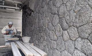 pemasangan batu alam curi