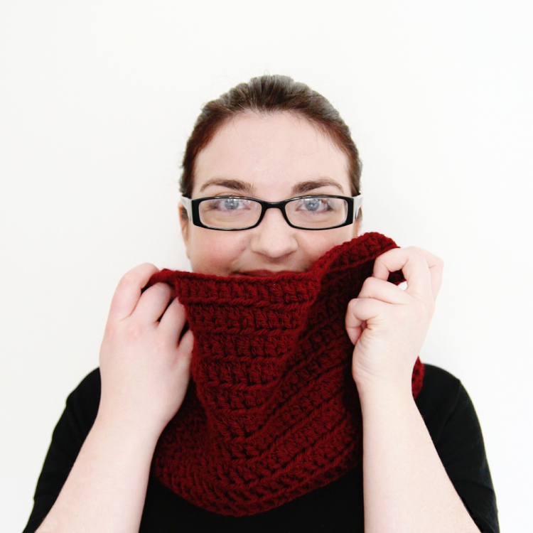 Make Your Own Simple Double Crochet Cowl.