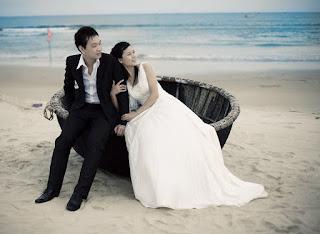 Ein glückliches Brautpaar - von Bùi Linh Ngân (http://piqs.de/fotos/search/Paar/141312.html)