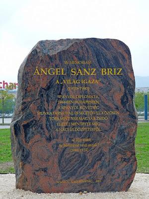 monumento-ángel-sanz-briz-budapest