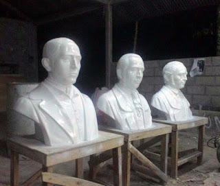 Patung dada tokoh misionari