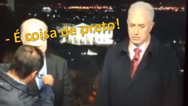 """Uma notinha emblemática do site UOL: """"O jornalista William Waack, recém-saído da Globo, passou a manhã desta sexta-feira (5) na sede da rádio Jovem Pan, em São Paulo. Segundo algumas fontes, existem boas possibilidades de um acerto com a emissora. A Pan, consultada, nega o encontro"""". Caso a especulação seja confirmada, ela é compreensível. O ex-todo-poderoso âncora do 'Jornal da Globo' foi demitido após o vazamento de um vídeo em que revelou o seu racismo. Já a rádio citada é famosa por suas posições fascistas – tanto que já foi apelidada de rádio """"Ku Klux Pan"""", em uma alegoria à seita racista Ku Klux Klan dos EUA."""