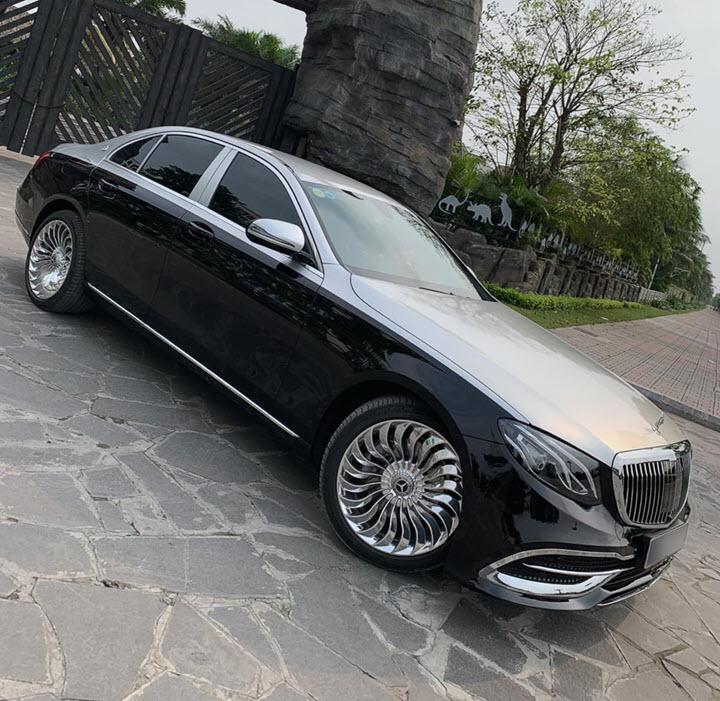 Dân chơi Hà Nội tự mình 'hô biến' Mercedes-Benz E 200 thành S 450 Maybach chỉ với 150 triệu đồng