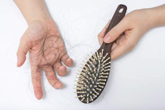 cara mengatasi rambut rontok berlebihan