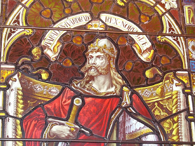 Representación de Harald Hardrada en la catedral de Kirkwall