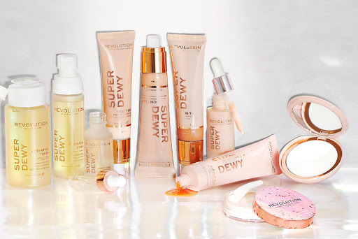 Makeup Revolution Superdewy Collection