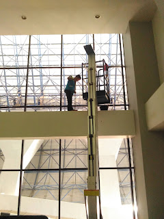 pekerjaan perbersihan gedung bertingkat
