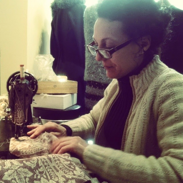 Renata and her old Singer sewing machine