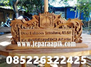 papan nama kayu jati