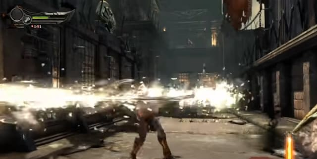 تقع أحداث اللعبة في اليونان القديم حيث يتحكم اللاعب بشخصية كريتوس والذي يحاول كسر الرابطة بينه وبين آله الحرب آريس (خدع كريتوس ليقتل زوجته و طفله) عن طريق هزيمة الثلاثي الغاضب