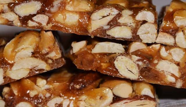 Easy Peanut Brittle Recipe | Quick-spice.com
