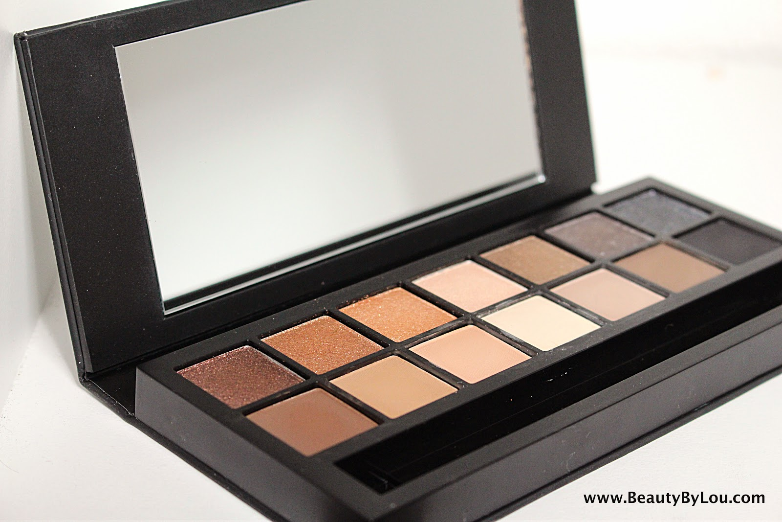 http://www.beautybylou.com/2014/10/full-exposure-smashbox-revue-swatchs.html