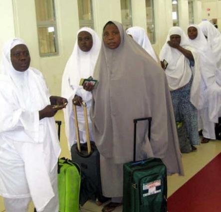 nigerian hajj pilgrim delivers baby