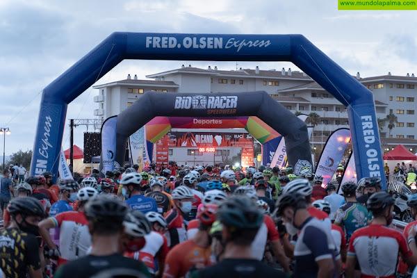 Volcano Granfondo: 550 ciclistas pedalearon entre volcanes en la palma este sábado