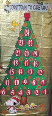 Countdown to Christmas classroom bulletin board